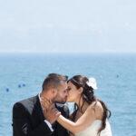 Fotografo Sposa: sposi con sfondo mare